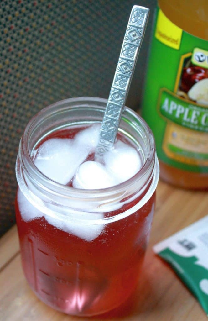 Apple Cider Vinegar Green Tea Refresher [Fit Mitten Kitchen]