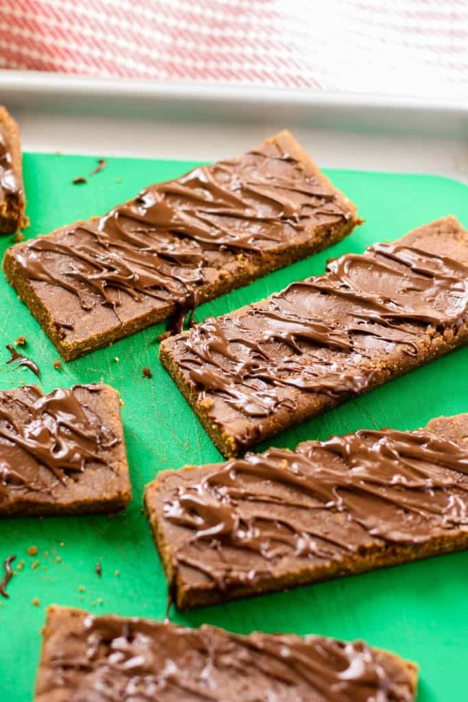 No-Bake Gingerbread Protein Bars close up