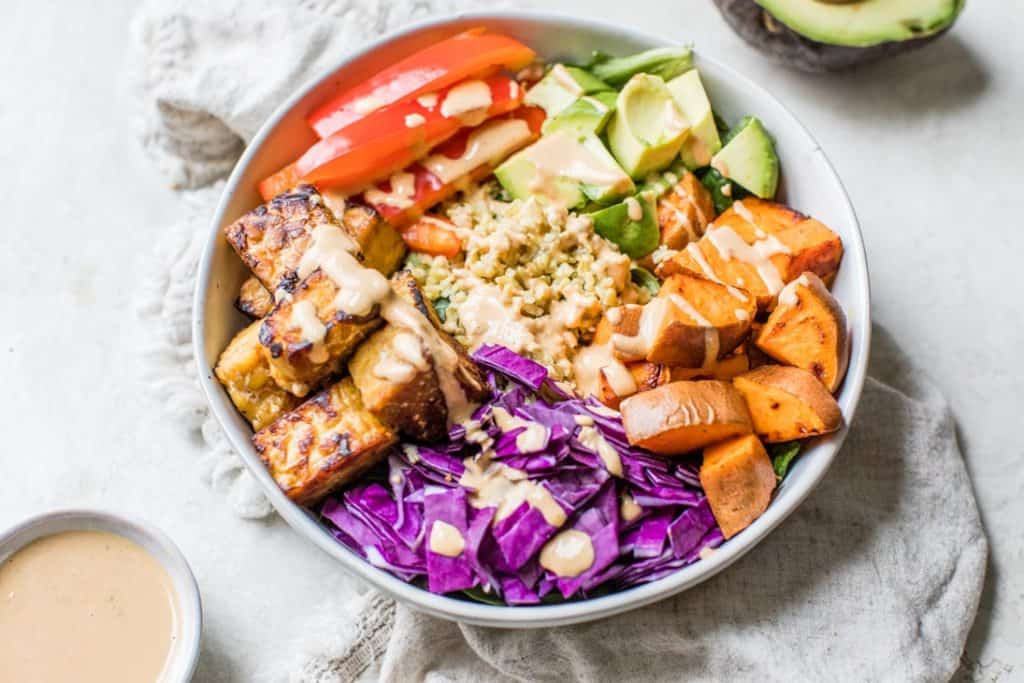 thai tempeh buddha bowl with cashew dressing