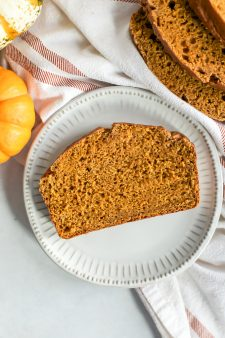 Healthy Whole Wheat Pumpkin Bread [dairy-free, oil-free]