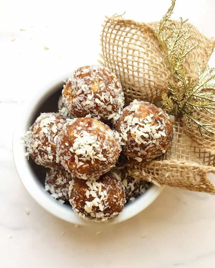 Gingerbread and caramel balls