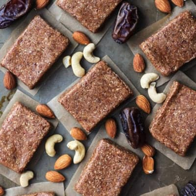 4-Ingredient Homemade Protein Bars {Whole30 – Paleo}