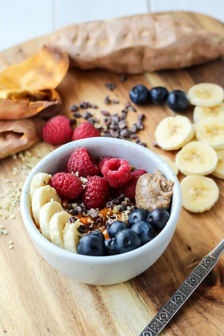 A Whole30 breakfast bowl replacement for oatmeal! This is so simple and so good.