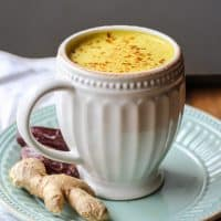 "This Medjool Date ""Golden Milk"" Turmeric Latte is the perfect caffeine-free cozy drink!"