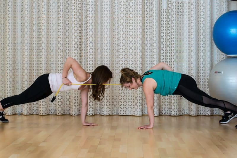 20 Minute Buddy Band Workout - Plank Band Row's