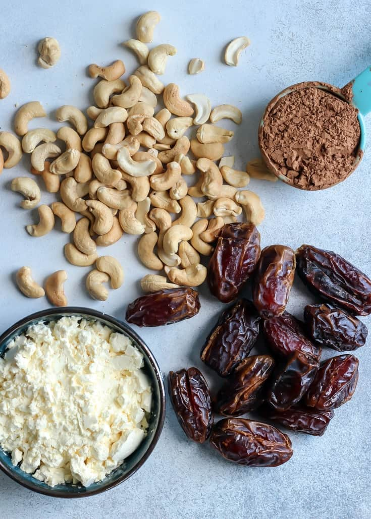 Just FOUR INGREDIENTS for these Paleo Cashew Chocolate Protein Energy Balls