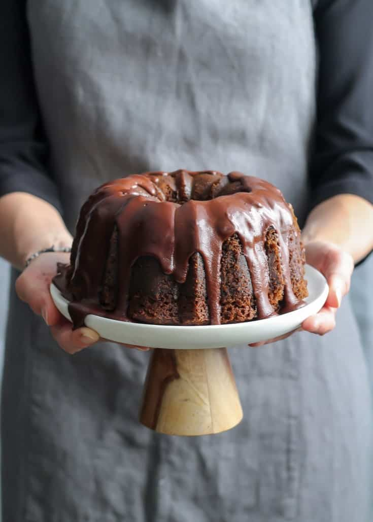 Sophie Bourdon being our backdrop model for the chocolate bundt cake. | Toronto Food Photography Workshop