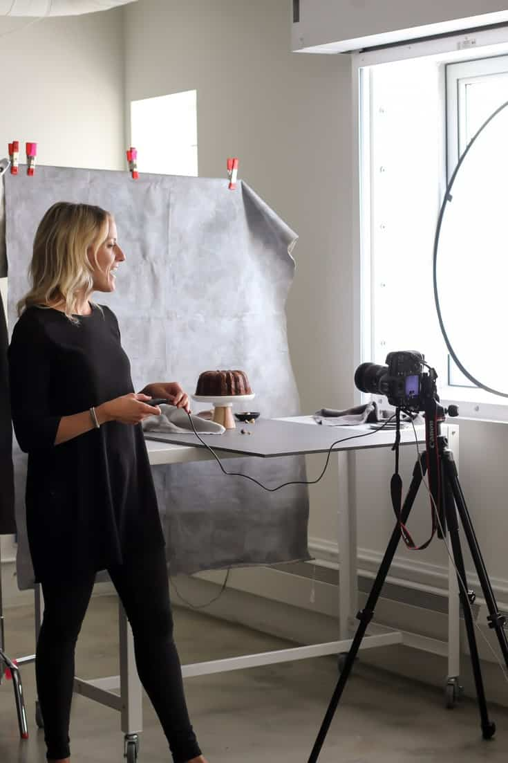 Toronto Food Photography Workshop | Sophie Bourdon sharing a behind the scenes look for her pour shot.