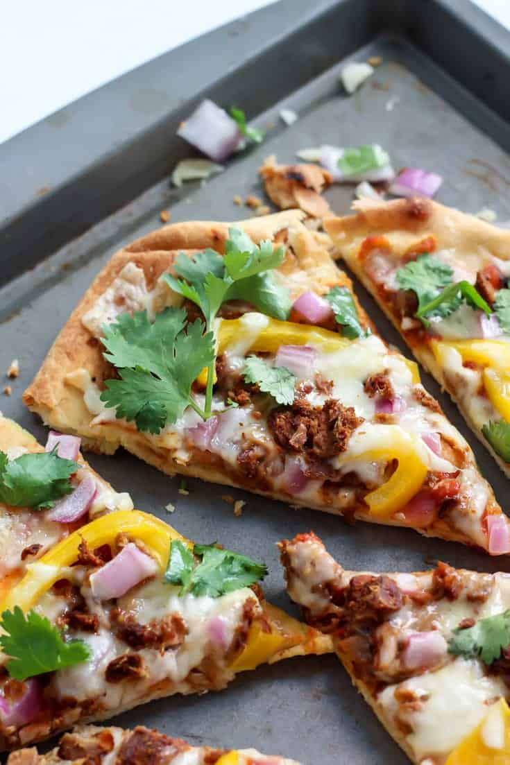 QUICK AND EASY! This Tandoori Tuna Naan Pizza is a definite winner.