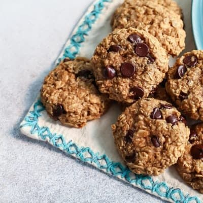 Healthy Peanut Butter Oatmeal Cookies with Chocolate Chips [oil-free, dairy-free]