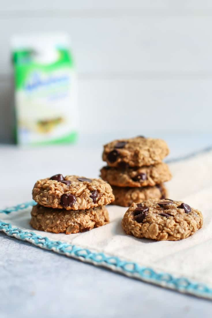 Healthy Peanut Butter Oatmeal Cookies With Chocolate Chips