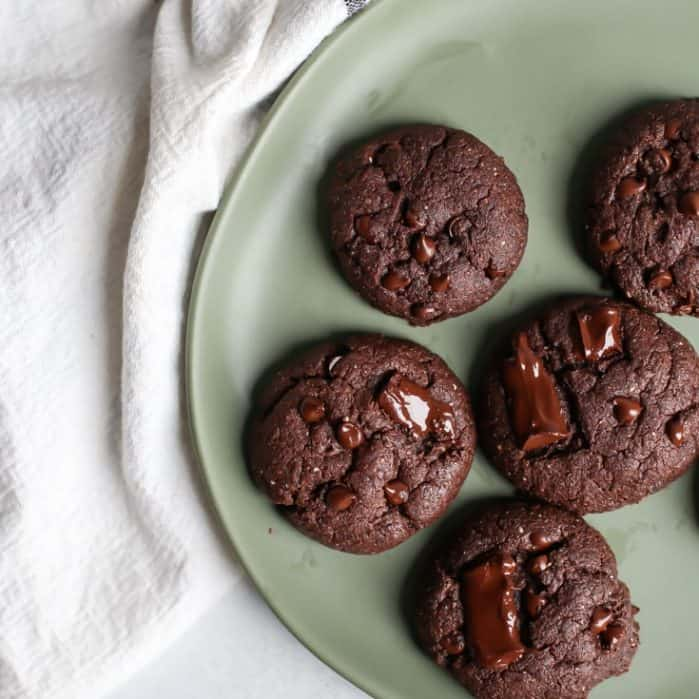 Vegan DOUBLE CHOCOLATE COOKIES. Made for the chocolate lovers out there. And they happen to be made vegan using coconut oil, flaxseed and your favorite nut or seed butter. Also gluten-free friendly!