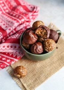 Chocolate dipped Gingerbread Oat Energy Balls for a healthy dessert during the holiday season. Vegan and gluten-free!