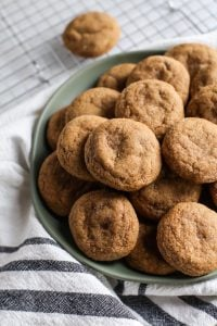 gingerdoodle cookies on green plate