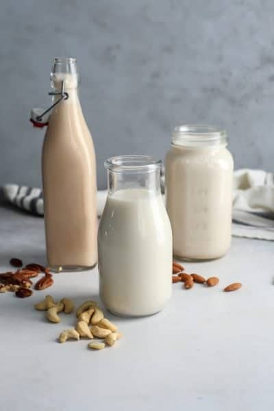 How to Make Homemade Nut Milk [cashew, almond and pecan versions]