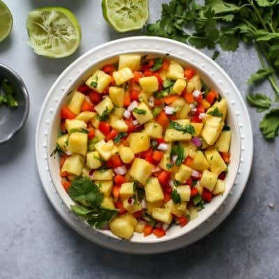 Simple Pineapple Salsa [with fish taco bites]