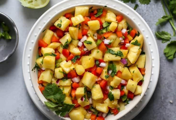 Simple Pineapple Salsa [with fish taco bites]