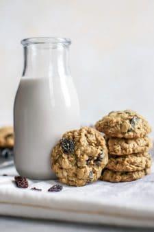 Healthier Oatmeal Raisin Cookies [whole grain]