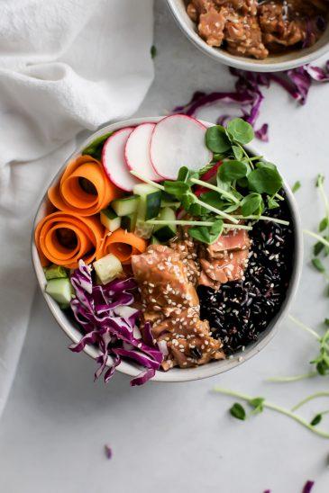 Easy Ginger Teriyaki Ahi Tuna Forbidden Rice Bowls {gluten-free}