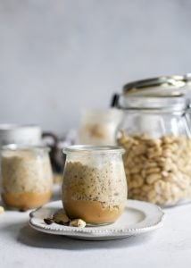 weck jars filled with cashew butter overnight oats