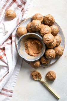 5-Ingredient Pumpkin Spice Peanut Butter Cookie Dough Bites