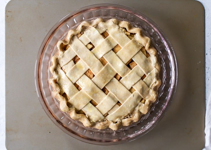 lattice pie crust design for apple pie