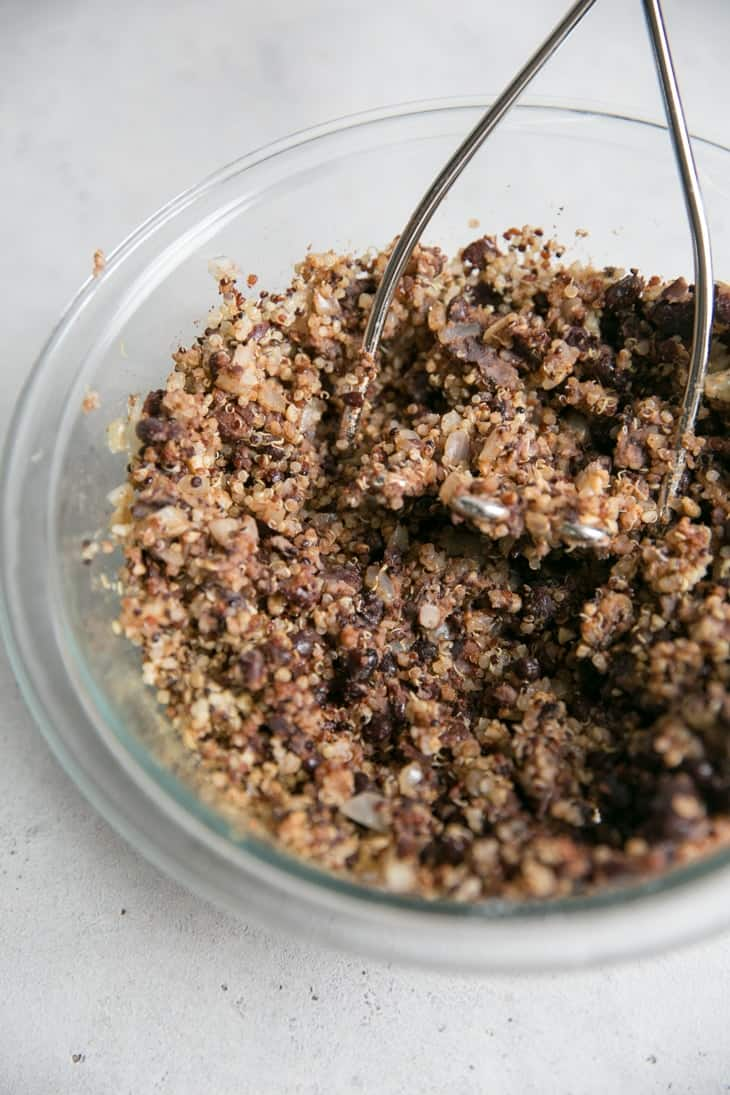 how to make veggie burgers with quinoa and black beans