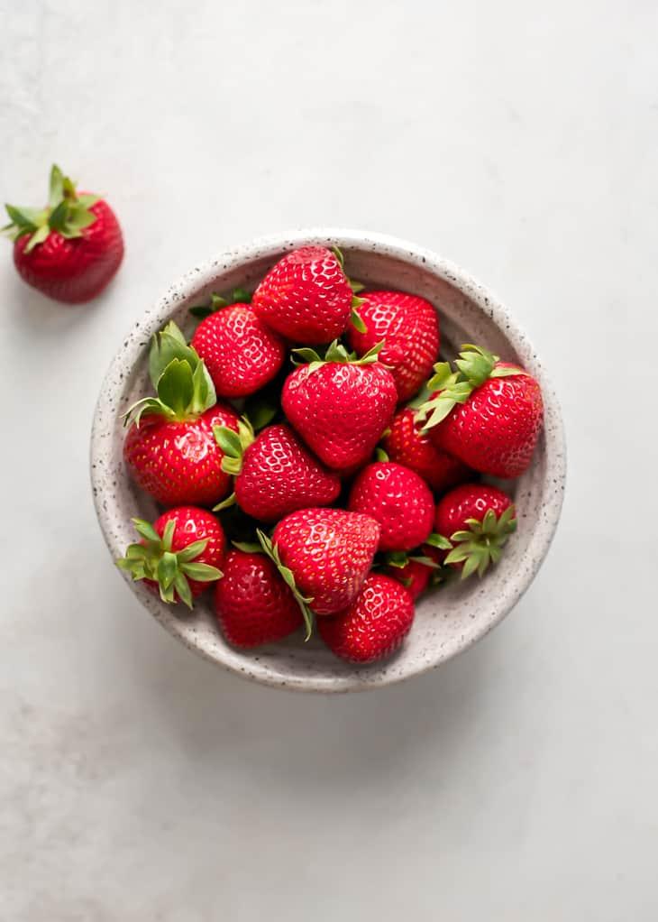 bowl of ripe strawberries